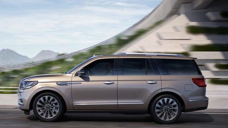 https://www.leithcars.com/assets/shared/CustomHTMLFiles/Responsive/MRP/Lincoln/2018/Navigator/images/2018-Lincoln-Navigator-07.jpg