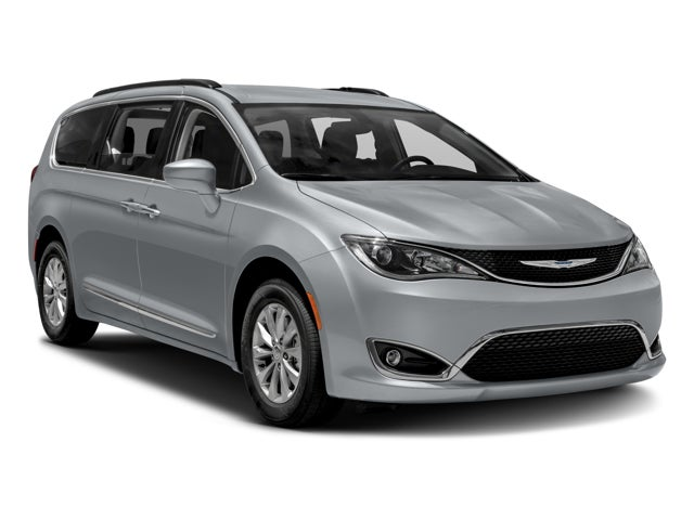 2017crv090002_640_07 new 2017 chrysler pacifica limited north carolina 2c4rc1gg5hr835682 Chrysler 2017 Pacifica Interior at edmiracle.co