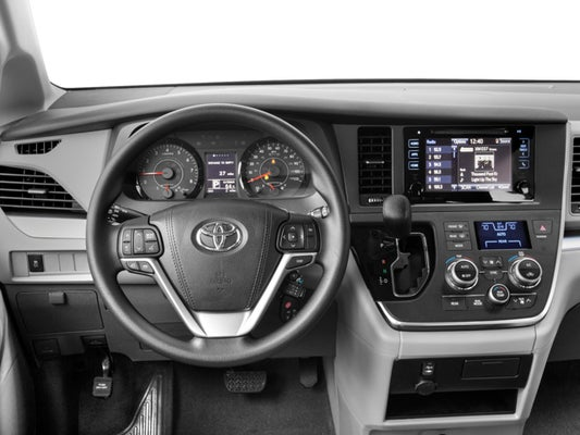 2017 Toyota Sienna Le Fwd 8 Penger In Raleigh Nc Leith Cars