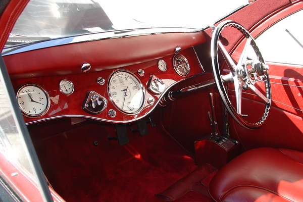 the 1925 rolls royce phantom coupe is better than the bat mobile leith cars blog. Black Bedroom Furniture Sets. Home Design Ideas
